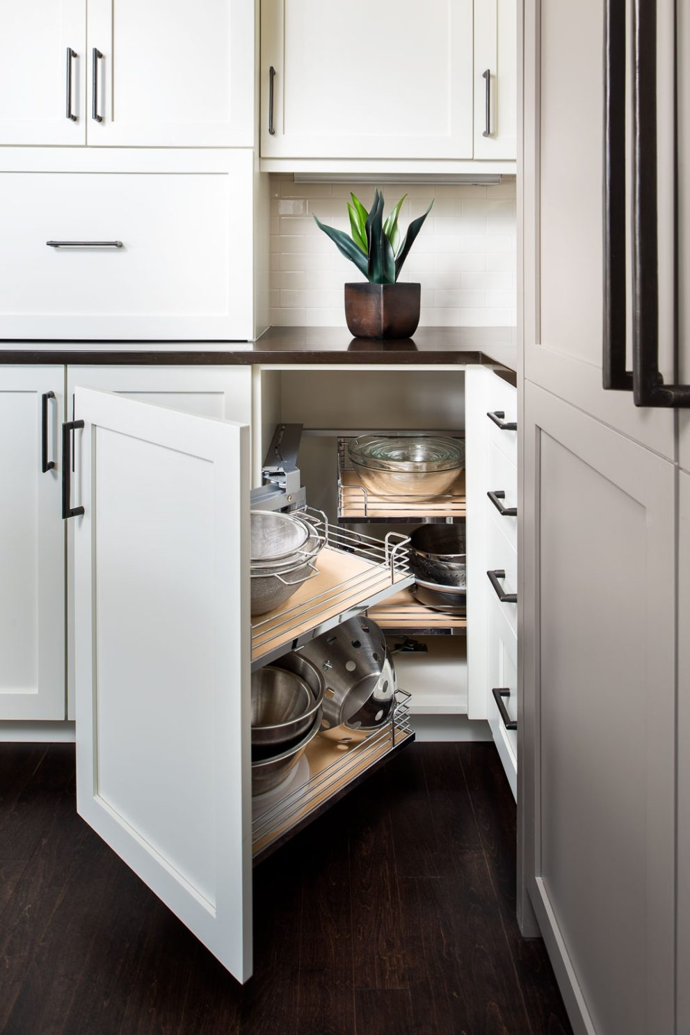 Modern Cabinet handcrafted & custom cabinetry manufacturing | modern cabinet